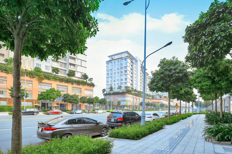 Hiện nay, tuyến phố Nguyễn Cơ Thạch đã đông đúc và sầm uất, nhiều thương hiệu lớn đã bắt đầu hoạt động kinh doanh đáp ứng nhu cầu của cư dân khu đô thị Sala